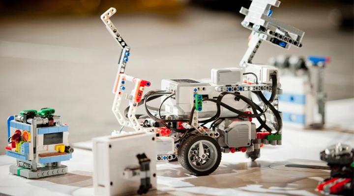 Робототехнический комплекс РОБОТРЕК как инструментарий повышения качества образования в рамках выполнения ФГОС ДО