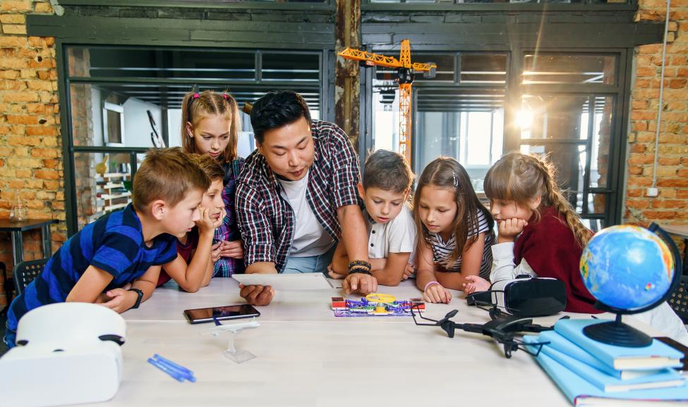 Детско-юношеское наставничество по сопровождению проектно-изобретательской деятельности детей в сфере дополнительного образования